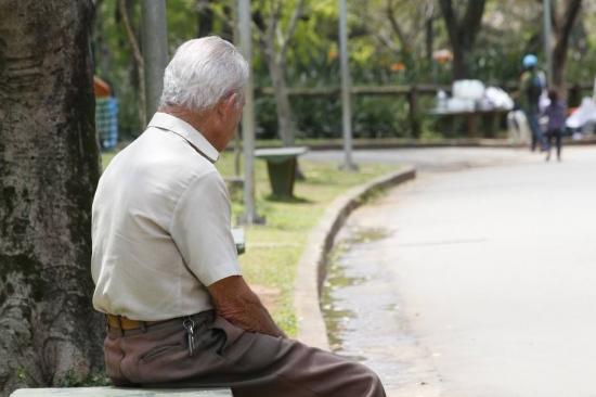 Graças à valorização dos imóveis e à generosidade das aposentadorias, hoje os consumidores mais velhos são os mais endinheirados